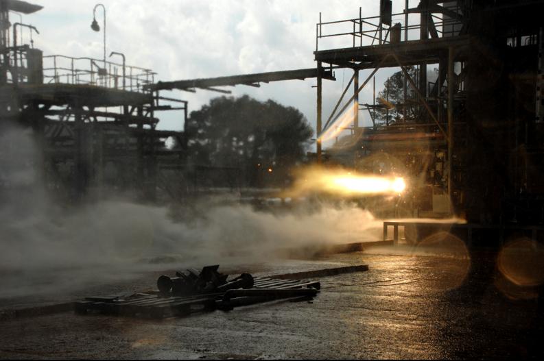 Auf dem Gelände des Marshall Space Flight Center in Alabama fand der Hot-fire-Test statt: Dabei brachte der Einspritzer aus dem 3D-Drucker das Raketentriebwerk auf eine Rekord-Schubkraft.