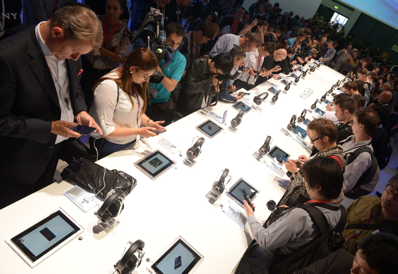 Riesen Andrang: Smartphones und Tablets sind auf der IFA in Berlin begehrt.