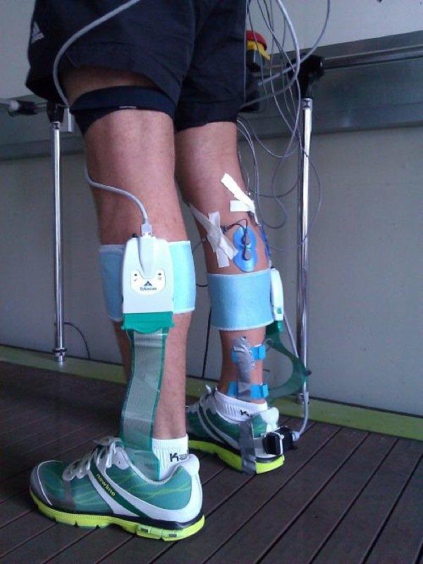Am StuttgarterInstitut für Sport- und BewegungswissenschaftInspo laufen Pilotmessungen für die Entwicklungen eines intelligenten Laufschuhs.