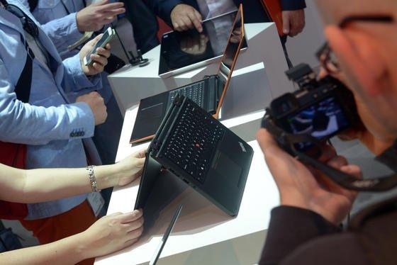 Die Akkus der neuen Lenovo-Laptops, die das Unternehmen auf der Berliner IFA vorstellt, sollen einen ganzen Arbeitstag lang halten.