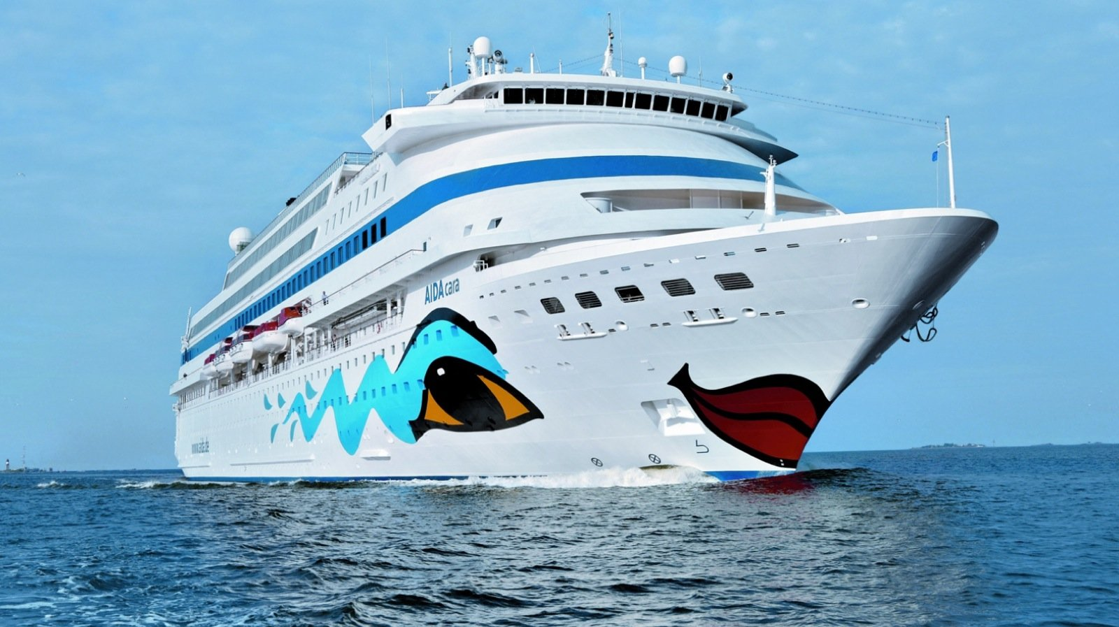 Das älteste AIDA-Kreuzfahrtschiff, die AIDAcara, wird als erstes auf umweltfreundlich getrimmt.