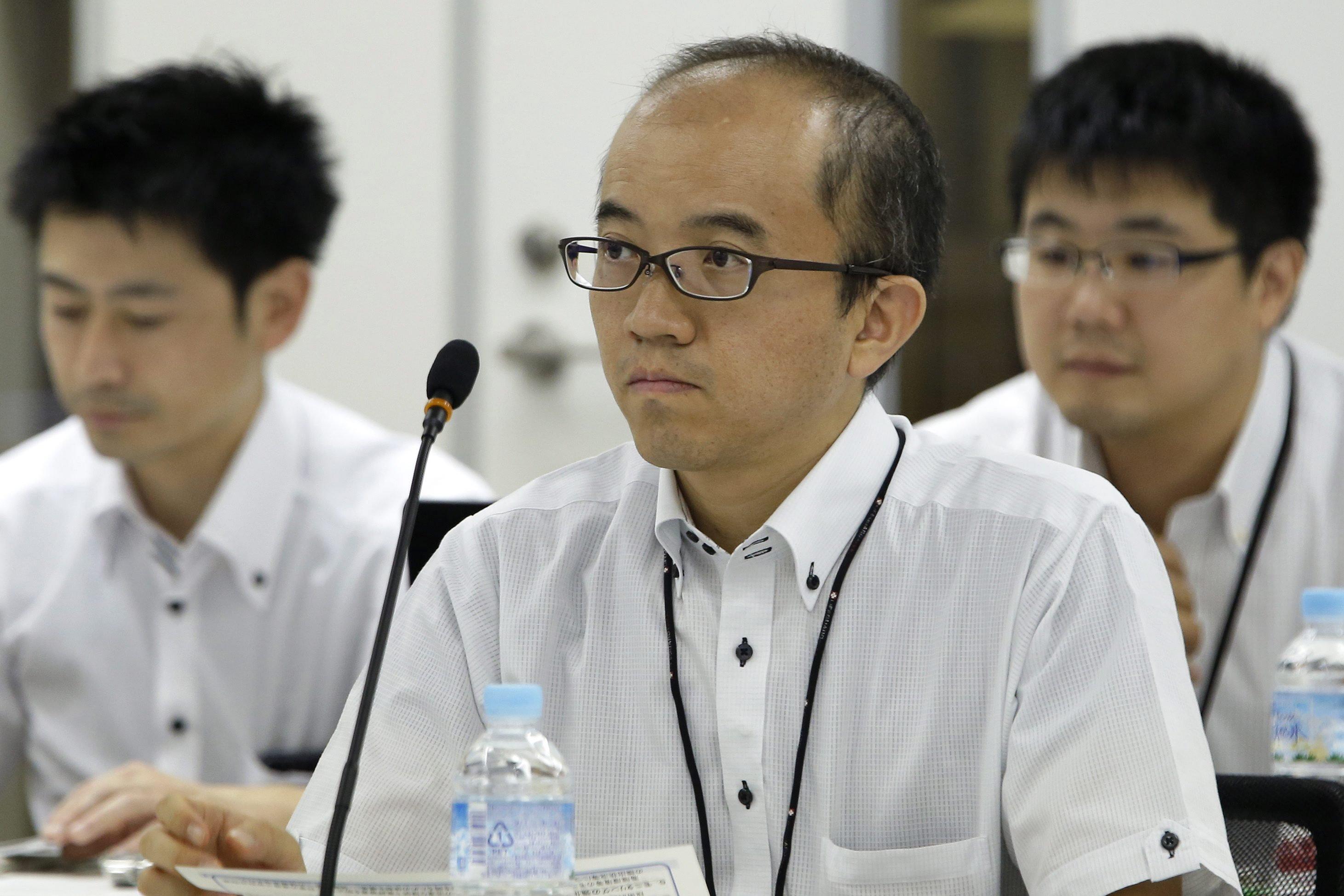 Von Shinji Kinjo, Chef der neu geschaffenen japanischen Atomregulierungsbehörde NRA, hängt es ab, ob demnächst japanische Atomkraftwerke wieder ans Netz gehen dürfen. Jetzt wurde das letzte AKW für eine Sicherheitsüberprüfung abgeschaltet.