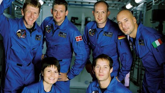 Die im Mai 2009 ausgewählten neuen Astronauten für das Europäische Astronautencorps. Im Uhrzeigersinn von links oben: Timothy Peake, Andreas Mogensen, Alexander Gerst, Luca Parmitano, Thomas Pesquet and Samantha Cristoforetti.