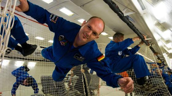 Völlig losgelöst von der Erde: Astronaut Alexander Gerst wird im Mai 2014 für sechs Monate zur Internationalen Raumstation fliegen.