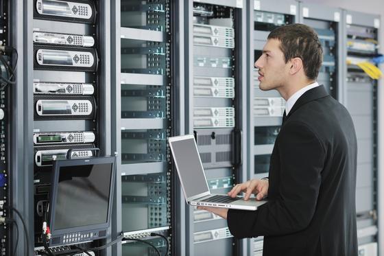Eine neue Cloud-Technik des Hasso-Plattner-Instituts in Potsdam fragmentiert sensible Daten und speichert sie auf mehreren Servern. Dadurch hat niemand Zugriff auf alle Daten.