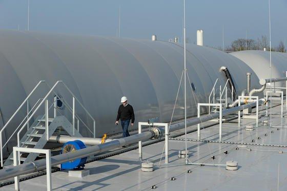 Damit in Biogasanlagen kein Schwefelwasserstoff gelangt arbeiten Forscher an Sensoren, die selbst geringste Mengen des Gases aufspüren, bevor synthetisches Methan ins Erdgasnetz eingespeist wird.