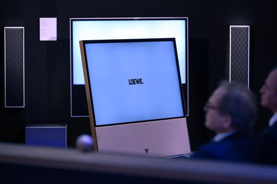 Fernsehgeräte von Loewe auf der Internationalen Funkausstellung 2013 in Berlin: Das traditionsreiche Unternehmen kämpft mit drastischen Umsatzeinbußen und hat ein Insolvenzverfahren eingeleitet.