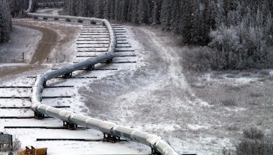 Trans-Alaska-Pipeline auf gefrorenem Boden