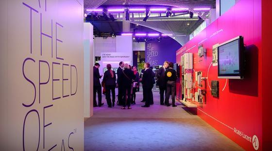 Alcatel-Lucent auf dem World Mobile Congress 2013:Nach Medienberichten will sich das kriselnde Unternehmen gesundschrumpfen. In Deutschland drohen 900 Arbeitsplätze wegzufallen.