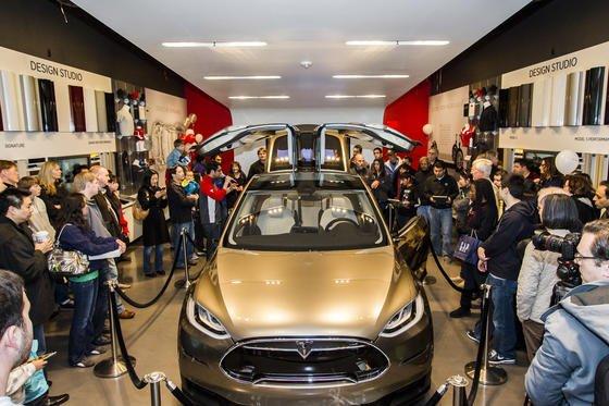 Der Tesla ist das meistverkaufteste Elektroauto in den USA. Das Auto kostet rund 70 000 Dollar.