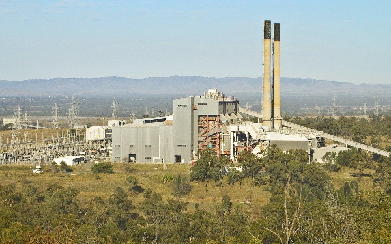 In Queensland in Australien wird das erste große Kohlekraftwerk betrieben, in dem die Kohle nicht mit Luft, sondern reinem Sauerstoff verbrannt wird. Dadurch entsteht im Rauchgas nur Kohlendioxid und Wasserdampf, der sich durch Abkühlen leicht abtrennen lässt.