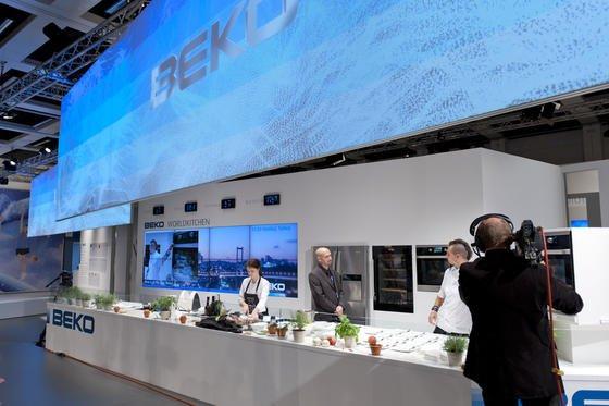 Beko-Messestand auf der Internationalen Funkausstellung Berlin: Der türkische Haushaltsgerätehersteller, die Nummer 3 in Europa, will seinen Absatz in den nächsten fünf Jahren verdoppels, sagte Beko-Geschäftsführer Sühel Semerci den VDI nachrichten.