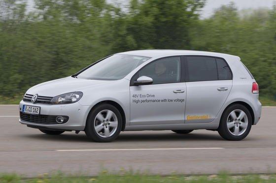 Prototyp eines VW Golf von Continental: Das Auto ist mit Mikro-Hybrid-Technik ausgestattet, die voraussichtlich 2016 in Serie gehen wird.