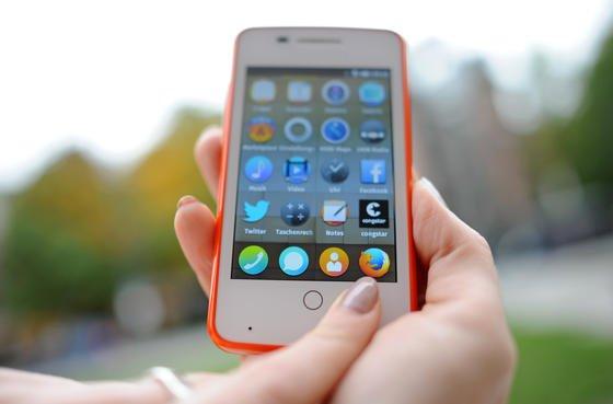 Die Telekom-Tochter Congstar hat als erster Anbieter in Deutschland ein Smartphone mit dem Betriebssystem Firefox OS des Open-Source-Spezialisten Mozilla auf den Markt gebracht.