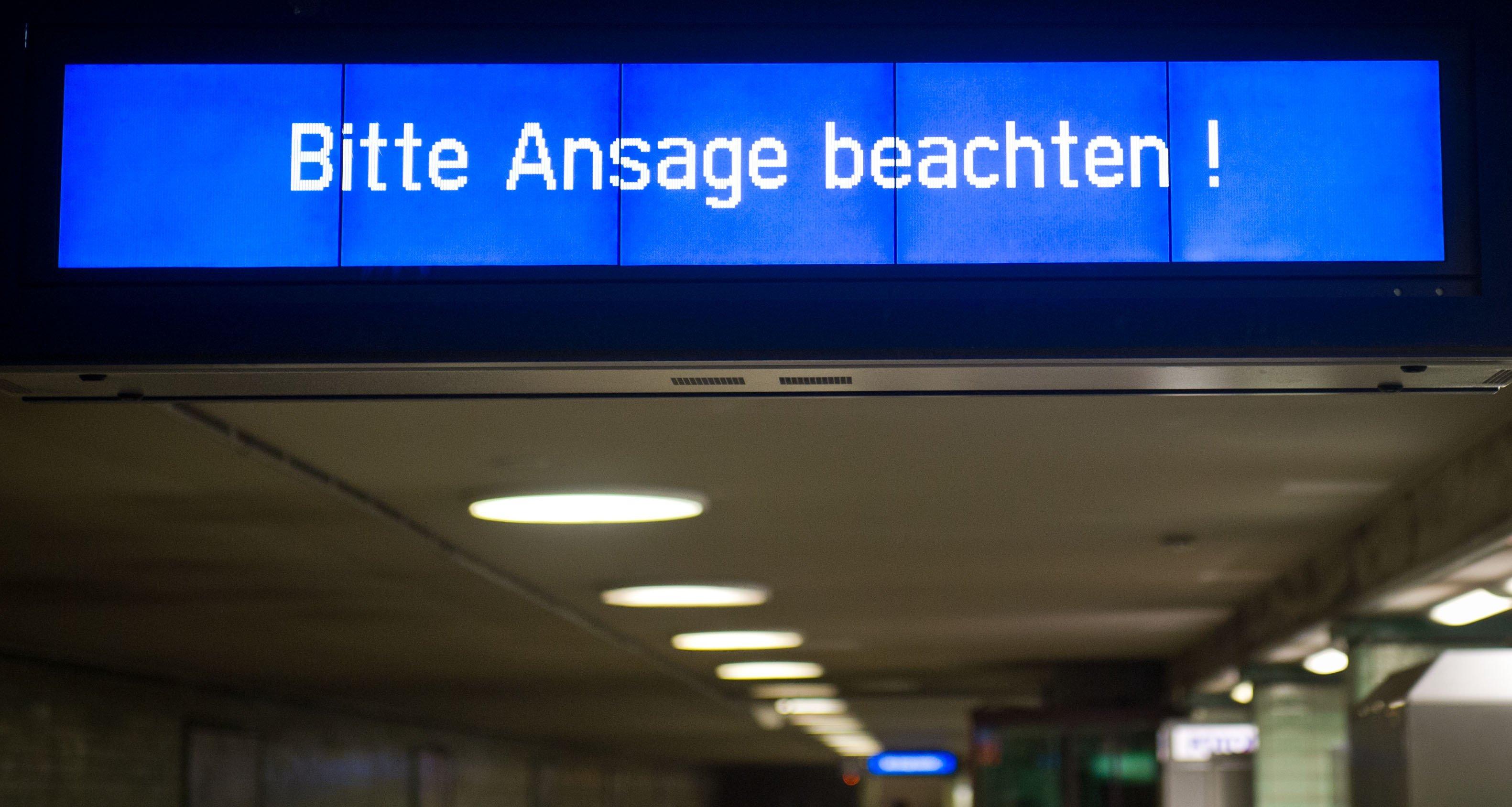 Bei Verknüpfung von verschiedenen Informationskanälen könnten die Menschen künftig automatisch durch Textnachrichten auf Displays in der S-Bahn oder zentral gesteuerten Lautsprecherdurchsagen auf Bahnsteigen vor Gefahren gewarnt werden.
