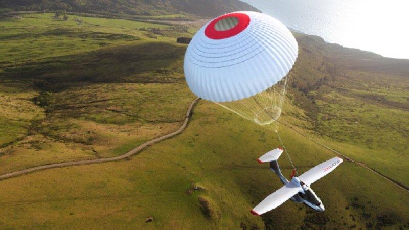 Für mehr Sicherheit: Beim Amphibienflugzeug Icon A5 kann als zusätzliche Ausstattung auch ein Fallschirmsystem mitbestellt werden.