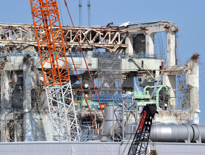 Routine-Sicherungen an dem einsturzgefährdeten Kernkraftwerk Fukushima Daiichi an Land und auf dem Meer hat Betreiber Tepco derzeit eingestellt.