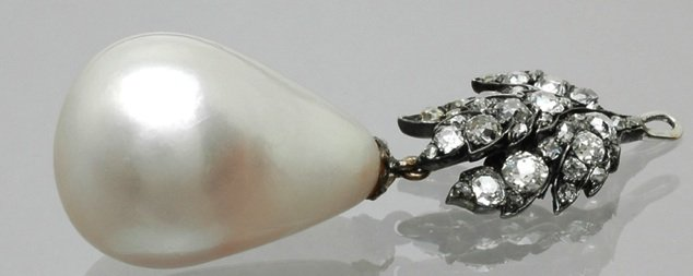 Mit den neuen Methoden der Herkunftsbestimmung können historische Perlen - hier die berühmte Peregrina, deren letzte Besitzerin die verstorbene Schauspielerin Liz Taylor war - besser dokumentiert und Fälschungen aufgedeckt werden.