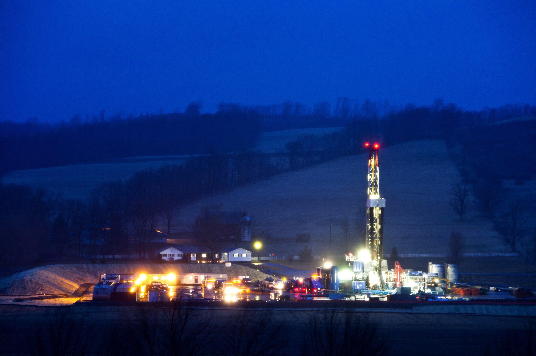 Eine Fracking-Anlage im Bundesstaat Pennsylvania in Amerika. In Pennsylvania ist im Juni erstmals das Trinkwasser durch Fracking belastet worden.