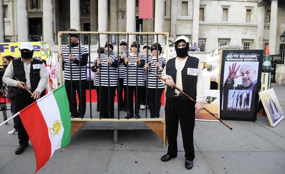 Demonstration Anfang Oktober für die Freilassung iranischer Dissidenten in London: Google hat jetzt eine Software vorgestellt, mit der sich Dissidenten besser gegen die Beschränkungen autoritärer Regime im Internet wehren können.
