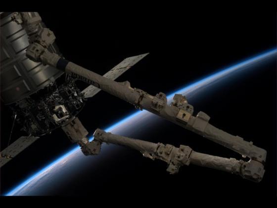 Raumtransporter Cygnus kurz vor dem Lösen von der Raumstation ISS: Am Mittwoch wird Cygnus in die Erdatmosphäre eintreten und verglühen.