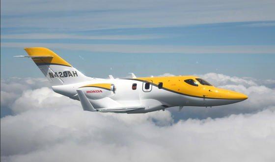 Der Hondajet hat bereits ein strenges Testprogramm absolviert. Sobald die amerikanische Luftfahrtbehörde die Genehmigung ausstellt, soll das kompakte und spritsparende Flugzeug für Geschäftsreisende in Serienproduktion gehen.