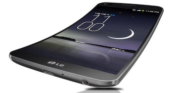 Im Vergleich zum Samsung Galaxy Round ist das neue Smartphone G Flex von LG an der horizontalen Achse gekrümmt. Dadurch ist das Mikrofon näher am Mund und die Sprachqualität erhöht sich.