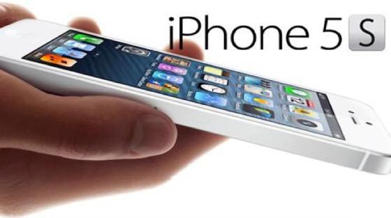 Käufer des iPhone 5S haben die schlechte Akkulaufzeit beklagt. Jetzt gibt Apple einen Herstellungsfehler zu und ruft Geräte zurück.