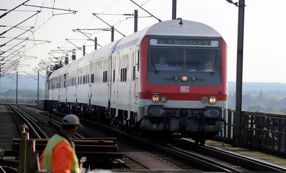 Die Deutsche Bahn benötigt dringend mehr Geld zur Pflege des Schienennetzes.