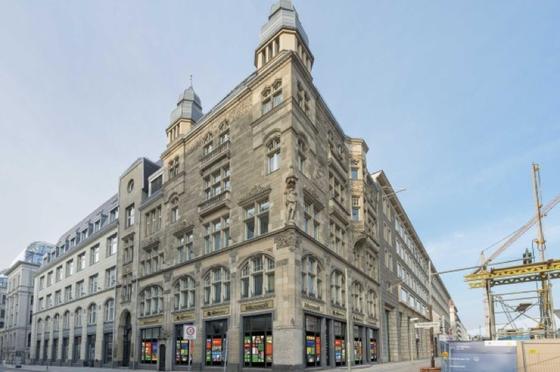 Microsoft Berlin: Das neue Zentrum des Konzerns in Berlin befindet sich im ehemaligen Carlton Hotel in der StraßeUnter den Linden 17.