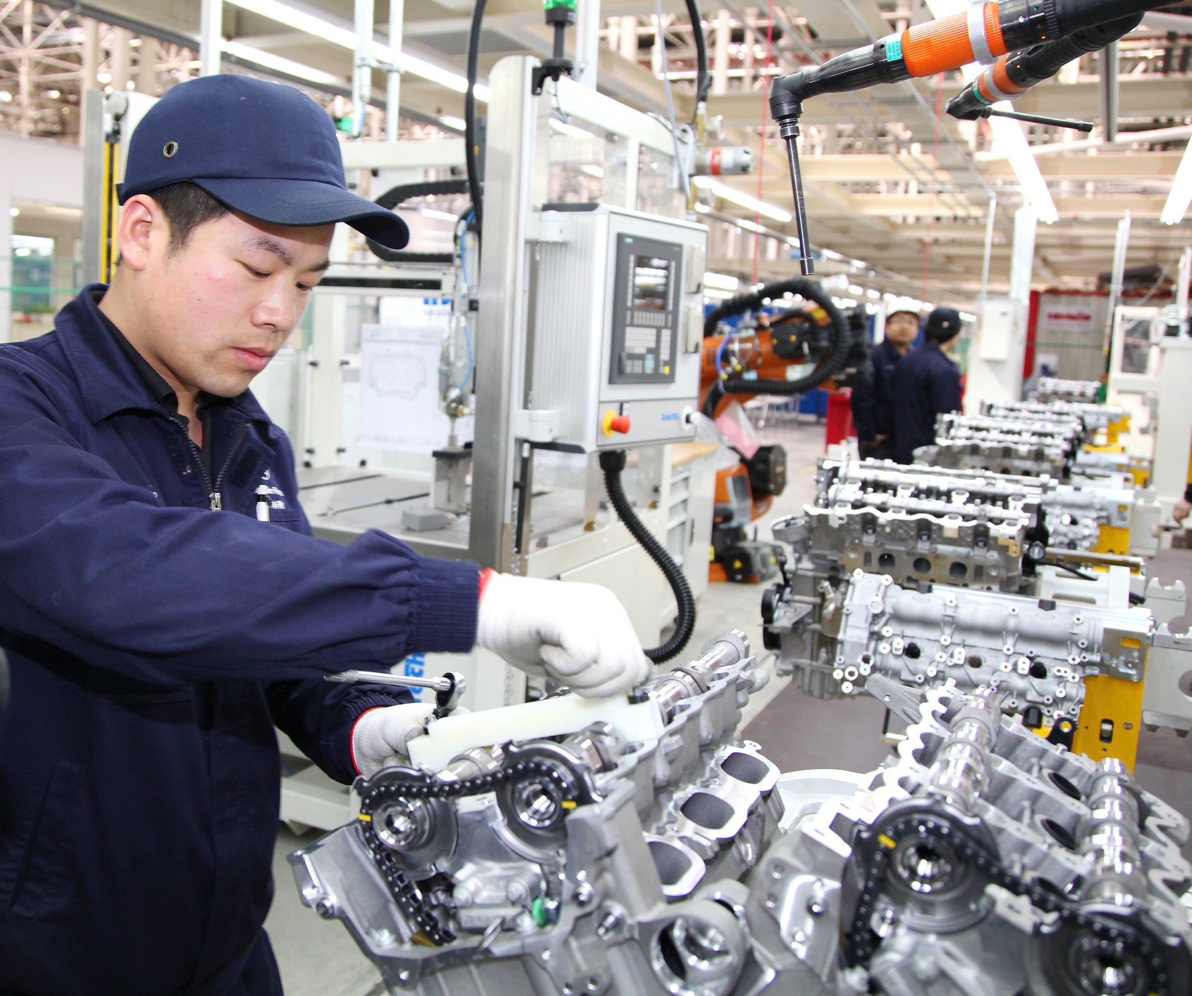 Das neue BBAC-Motorenwerk in Peking hat 400 Millionen Euro gekostet und ist technisch auf dem neuesten Stand. Hier sollen zukünftig 200 000 Motoren pro Jahr produziert werden – hauptsächlich für die Mercedes E-, C- und GLK-Klasse.