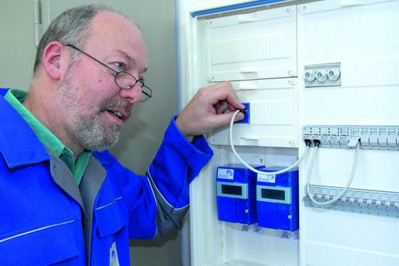Intelligente Zähler für Strom, sogenannte Smart Meter, vermitteln den Kunden zeitnah Informationen über ihren Verbrauch. Allerdings hat jetzt eine Studie ergeben, dass die Stromeinsparungen gering und die Kosten der Zähler deutlich über den Einsparungen liegen.