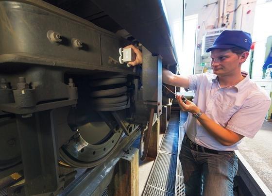 Das Funksystem von Siemens ist weniger störanfällig als herkömmliche Kabelvarianten. Auf der Bahnstrecke zwischen Rotterdam und der Schweizer Gemeinde Muttenz kam es bereits erfolgreich zum Einsatz.