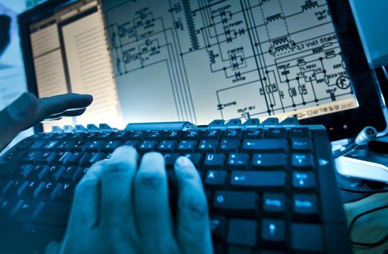 Computer können grundsätzlich Daten über Lautsprecher und Mikrofone austauschen. Das haben Forscher des Fraunhofer-Instituts herausgefunden. Auf diese Weise könnten sich in Zukunft auch Trojaner unbemerkt verbreiten.