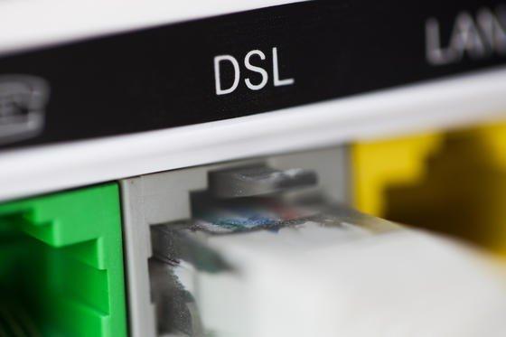 Nach Gerichtsurteil: Telekom nennt Drosseltarife nicht mehr 'Flatrate'.