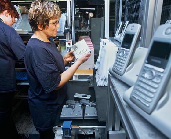 Gigaset-Produktion in Bocholt: Die frühere Siemens-Tochter, spezialisiert auf Schnurlos-Telefone, expandiert jetzt in den Computerbereich und hat zwei Tablets vorgestellt.