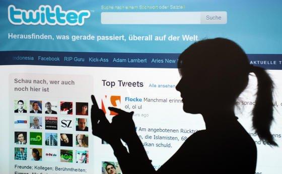 Der Twitter-Nachrichtenstream soll zukünftig direkt auf dem Startbildschirm von Smartphones erscheinen. Vom neuen Widget profitieren zunächst nur Telekom-Kunden, die ein Android-Gerät besitzen.