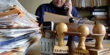 Manager sind frustriert über zunehmende Bürokratie in Unternehmen