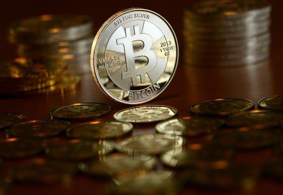 Bisher waren Bitcoins nur virtuelle Münzen – auch wenn es immer wieder Versuche gegeben hat, metallene Bitcoins zu produzieren. Nun aber scheint es auf der Kanalinsel Alderney ernst zu werden mit der Einführung der Bitcoins als Münzwährung.