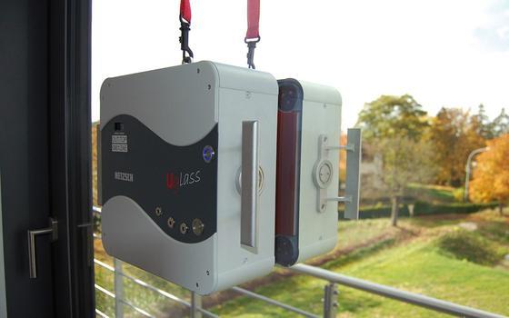 """Das neue Messgerät """"Uglass"""" kann die thermische Qualität der Verglasung messen und in Verbindung mit einer Software bewerten."""