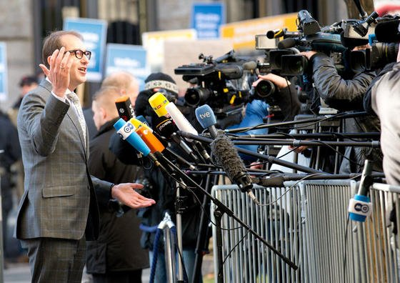 Der bisherige CSU-Generalsekretär Alexander Dobrindt wird neuer Minister für Verkehr und digitale Infrastruktur.
