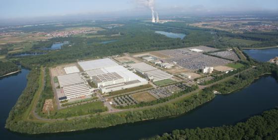Daimler lagert Ersatzteile im Global Logistics Center in Germersheim. Dort hat T-Systems bereits erfolgreich auf SAP-Software umgestellt. Teile sollen sich jetzt schneller an Kunden und Händler ausliefern lassen.