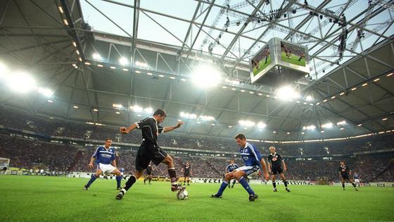 TV-Rechte für die Bundesliga: Bieterwettbewerb zwischen Sky Deutschland und der Deutschen Telekom.