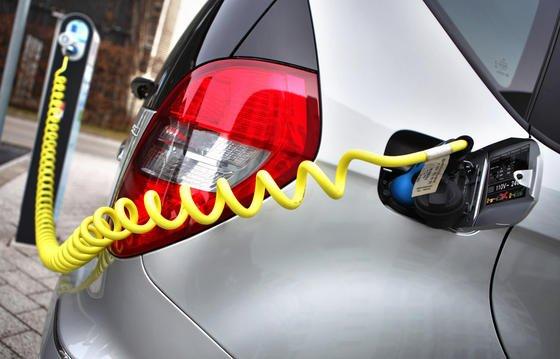 Der Getriebespezialist ZF Friedrichshafen präsentiert ein neues Antriebskonzept für Elektroautos.