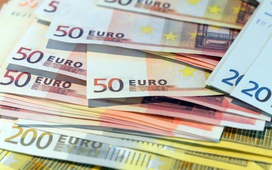 Crowdfunding-Initiativen sammelten 2012 weltweit mehr als 2,1 Mrd. € ein.