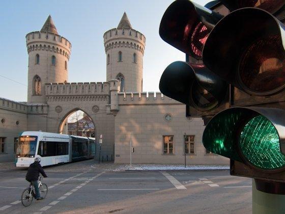 Seit einem Jahr versucht Potsdam, mit einer von Siemens entwickelten Verkehrssteuerung die Feinstaubbelastung in der Landeshauptstadt zu senken.