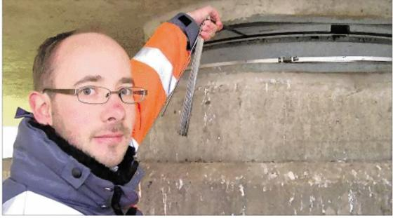 Prüfingenieur Michael Lutz ist der Herr der Bücken in Stuttgart. Ein durchaus gefährlicher Job.