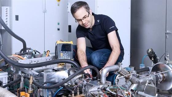 Der Freikolbenlineargenerator versorgt als Range-Extender Elektroautos mit dem notwendigen Strom.