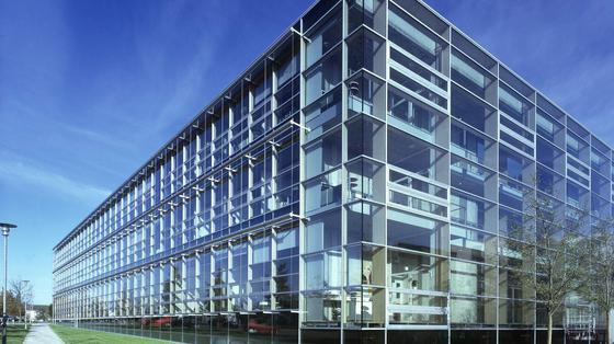 Die Uni Stuttgart bietet Technologiemanagement als Studiengang an.