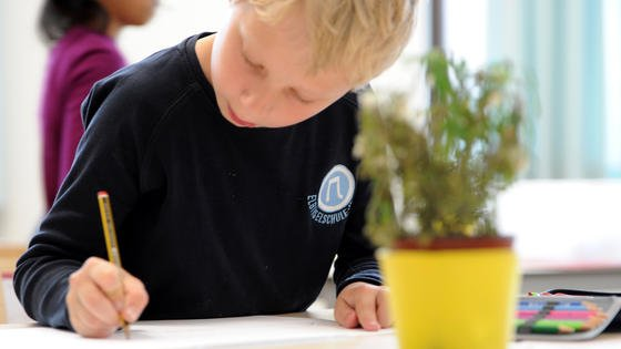Kinder sollen möglichst bereits in der Schule ihre Begeisterung für Naturwissenschaft und Technik entdecken.